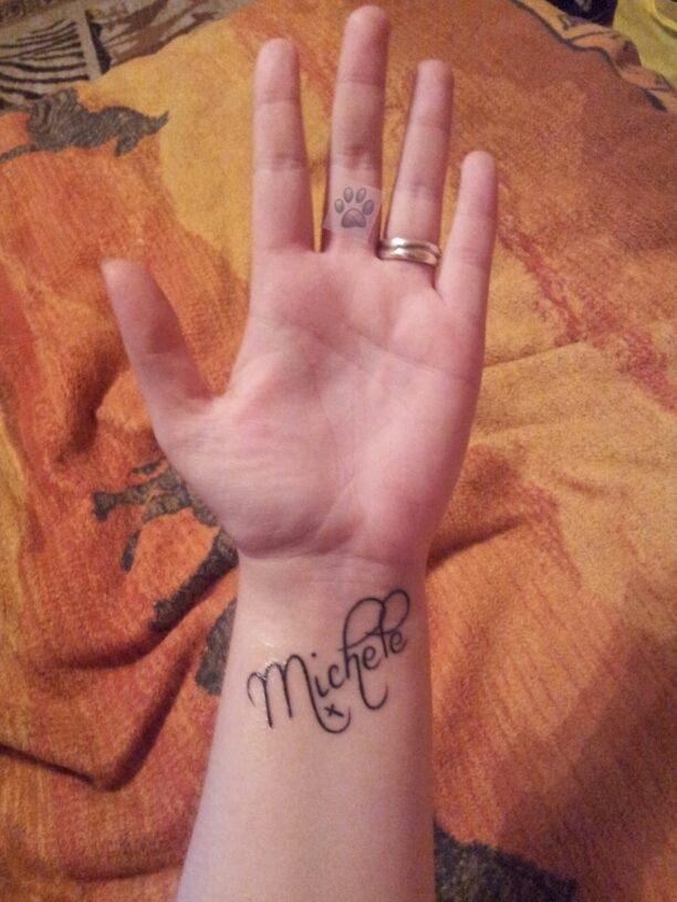 Tattoo An Der Fingerinnenfläsche Geht Das Tattoo Bewertungde