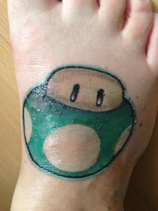 samya rodenkirchen tattoo pellt sich