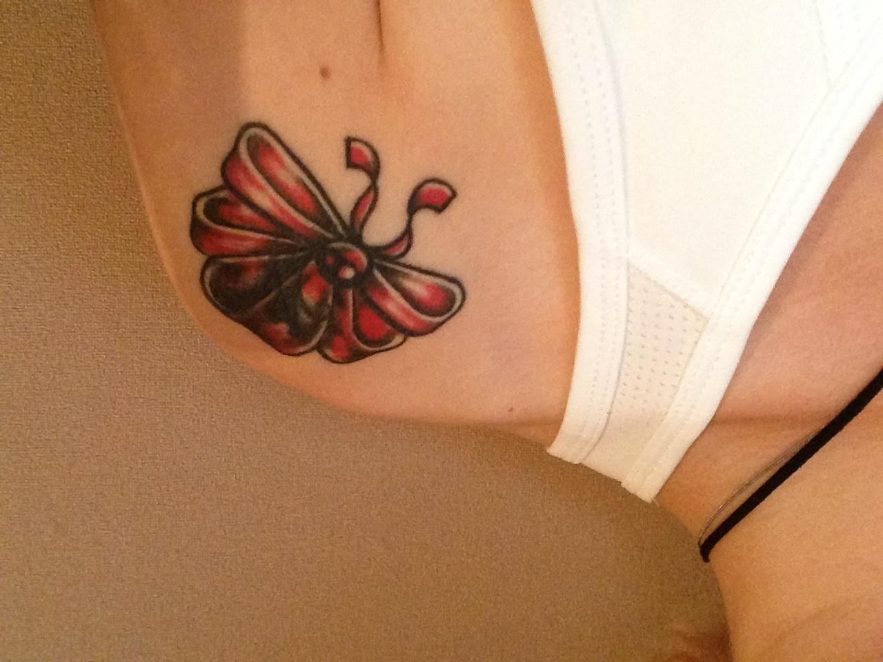 Meine vermurkste Schleife   Tattoo-Bewertung.de