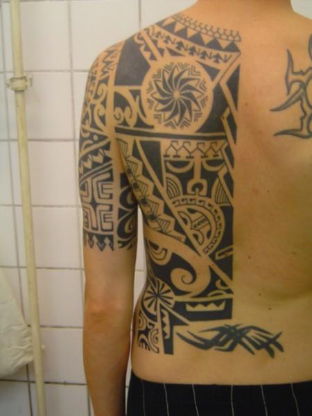 Polynesischer Rücken