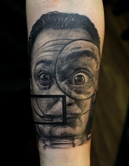 Salvador Dali mit Lupen