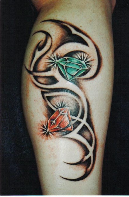hanna: tribal mit diamanten | tattoos von tattoo-bewertung.de
