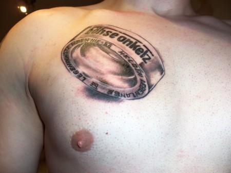 böhse onkelz-Tattoo: Böhse Onkelz Ring auf der Brust