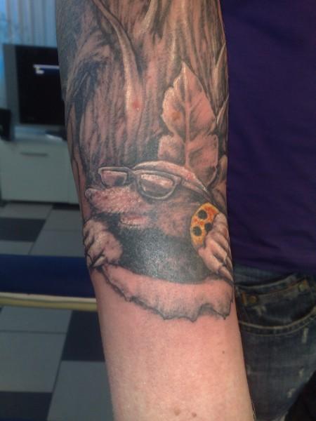 Ranke-Tattoo: mikills ranke und maulwurf