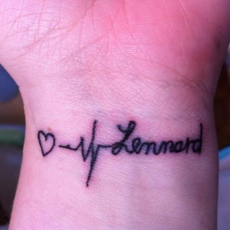 Heldin0703 Schlecht Gestochener Schriftzug Tattoos Von Tattoo