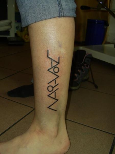 Mrs.Y: mein 1. Tattoo, Unterschenkel, Namen und Buchstaben | Tattoos ...