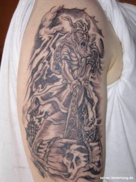 Andy: Tattoos » Keltisch Oberarm | Tattoos von Tattoo-Bewertung.de