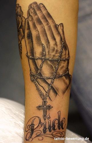 Tattoos Zum Stichwort Betende Hände Tattoo Bewertungde Lass
