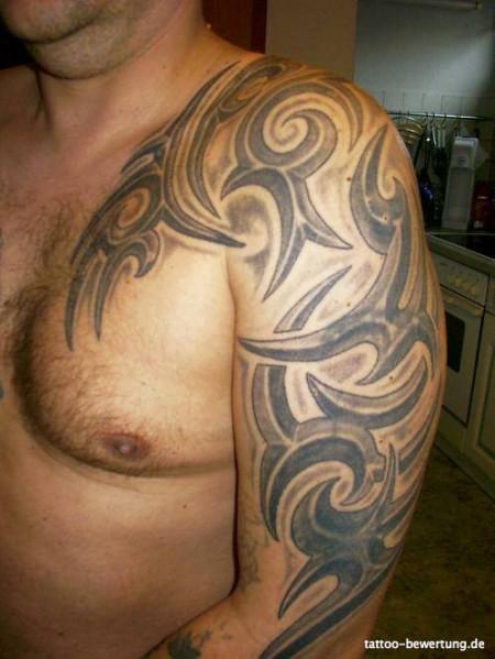 Tribal452 Tattoos Tribal Brust Und Dekolleté Oberarm Schulter