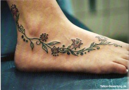 miri tattoos blumen kn chel und fu tattoos von. Black Bedroom Furniture Sets. Home Design Ideas