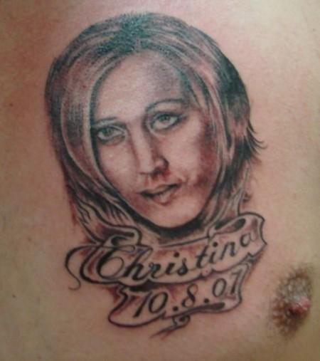 kirona tattoos portr t brust und dekollet tattoos von tattoo. Black Bedroom Furniture Sets. Home Design Ideas