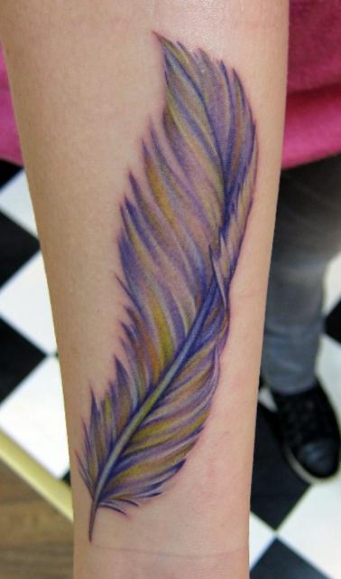 Feder-Tattoo: ..federleichtes..