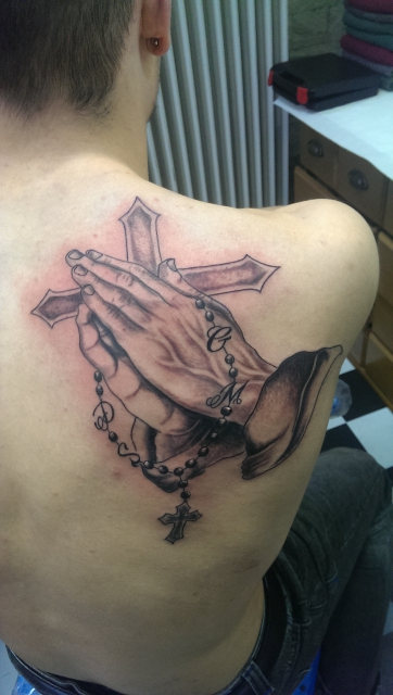 Betende Hände+Kreuz