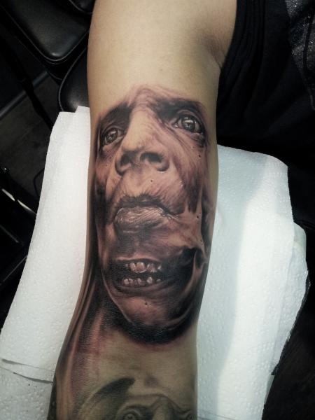 stechwerk wuppertal-Tattoo: WTF