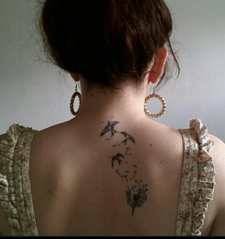 Lainda Pusteblume Mit Vögel Tattoos Von Tattoo Bewertungde