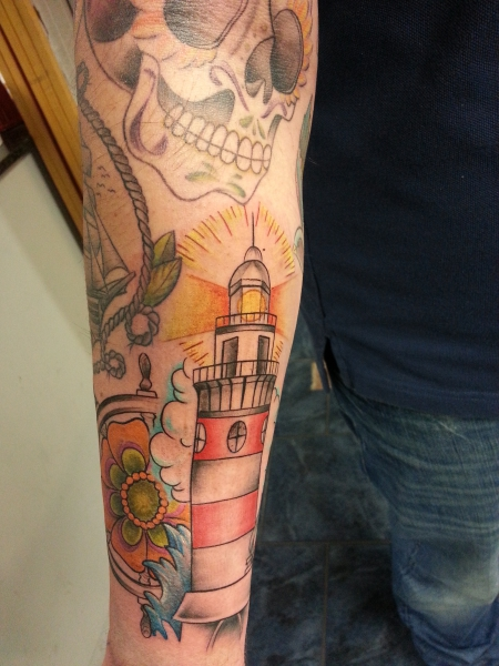 Leuchtturm und Steuerrad 2