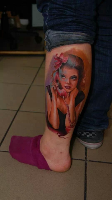 schwalbe-Tattoo: pin up