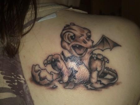 Chazette: Drachenbaby | Tattoos von Tattoo-Bewertung.de