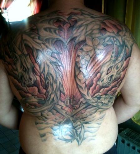 marty90 drachen tattoo r cken 4 5 sitzung hintergrund tattoos von tattoo. Black Bedroom Furniture Sets. Home Design Ideas