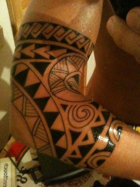 gia maori tattoos von tattoo. Black Bedroom Furniture Sets. Home Design Ideas