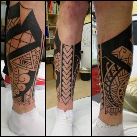 tobi250293 maori bein tattoos von tattoo. Black Bedroom Furniture Sets. Home Design Ideas