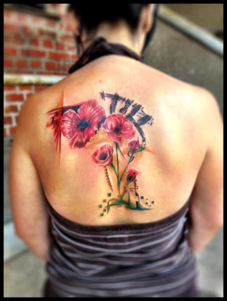 namen-Tattoo: Mohnblumen