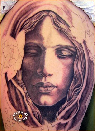 Oberarmausschnitt Fullsleeve - Needful Ink / Mia Walter