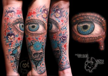 totenkopf-Tattoo: bunt