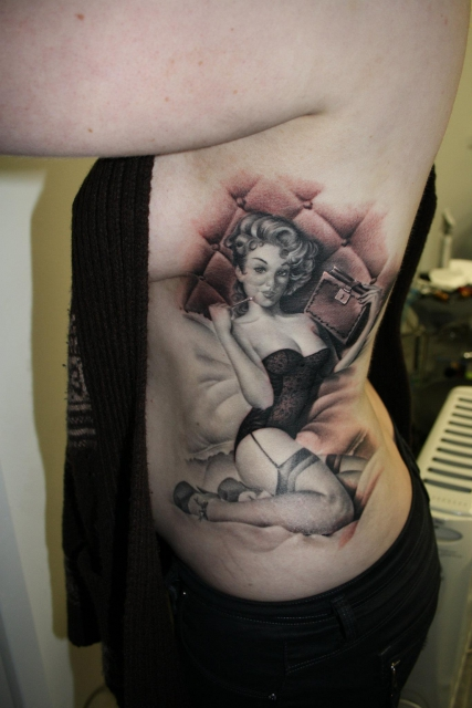 Black&Grey-Pin Up