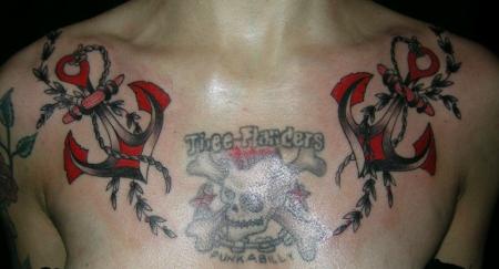 beste brust und dekollet tattoos tattoo lass deine tattoos bewerten
