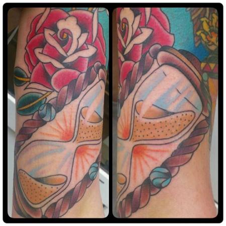 sanduhr-Tattoo: Sanduhr mit Rose