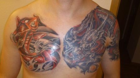 Mister xx drache und koi tattoos von tattoo for Koi und goldfische zusammen