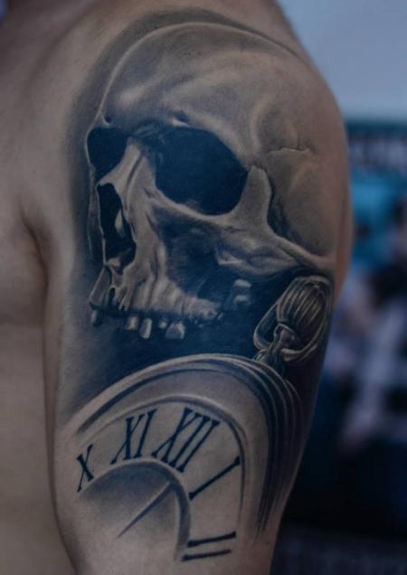 Taschenuhr mit totenkopf tattoo  Uhren Tattoos und Uhrenbilder
