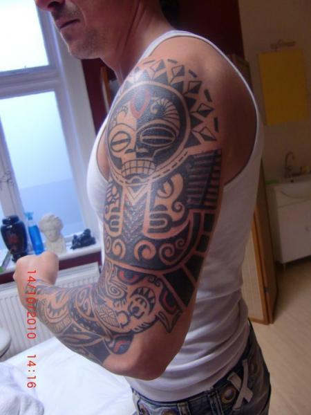 chaoswiesel maori tattoos von tattoo. Black Bedroom Furniture Sets. Home Design Ideas