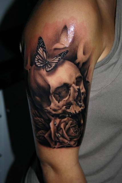 Skull, gestochen von Tibor Szalai / Tibi