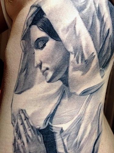 maria-Tattoo: Betende Maria