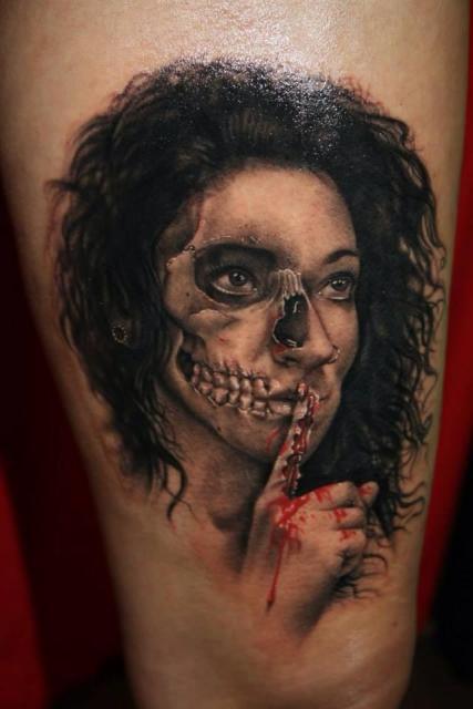 Skull-Girl... tätowiert von Tibor Szalai