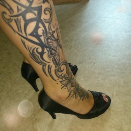 beste tattoos am fu und am kn chel tattoo. Black Bedroom Furniture Sets. Home Design Ideas