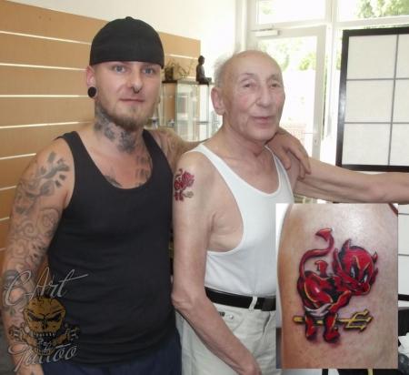 93 Jahre Tattoo Teufel