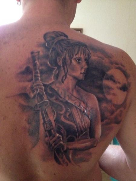 zwingerclub stuttgart tattoo körperseite frau