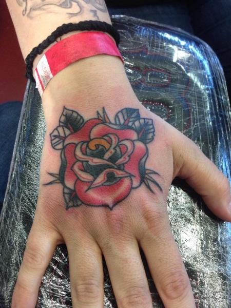 Rose Handrücken