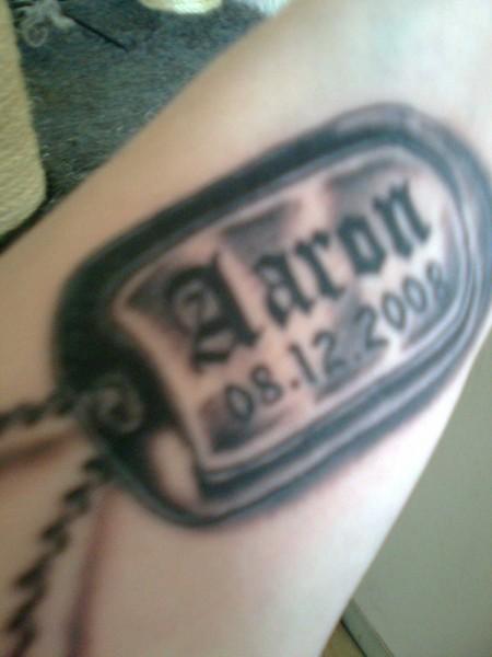 Tattoo Name Und Geburtsdatum