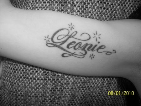 innenseite oberarm tattoo