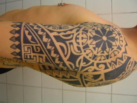 Polynesischer Arm außen