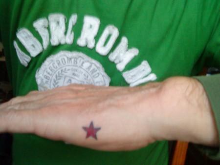 Stern, magenta, symbolisch, Verbindung zu einer heimlichen Liebe.