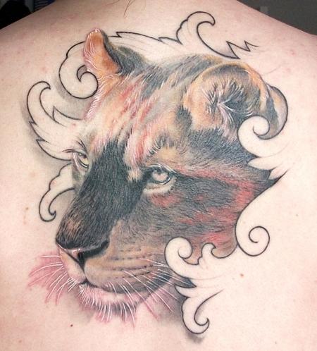 Liones inside No. III