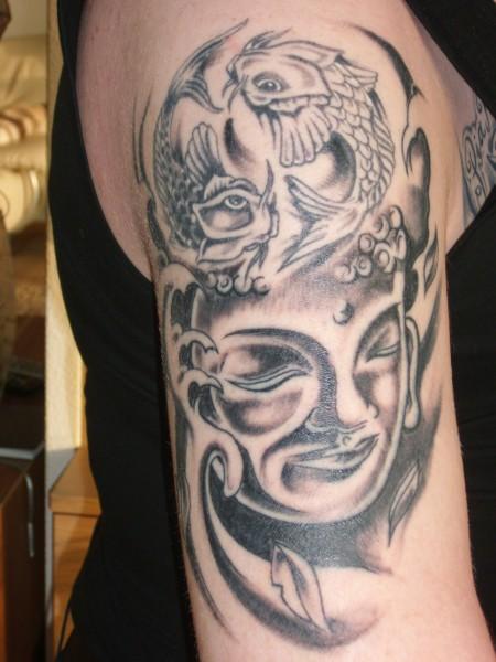 doctorsnuggles 9 tage nach den stechen ying yang verbunden mit buddha kopf tattoos von. Black Bedroom Furniture Sets. Home Design Ideas