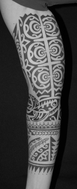 polynesicher arm, tahiti tattoo