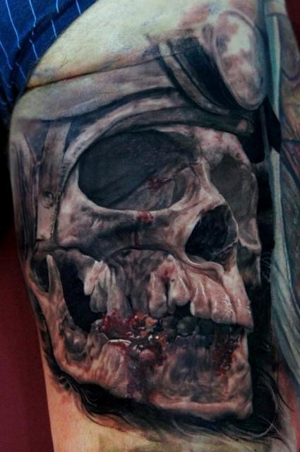 skull-Tattoo: Pilot Skull