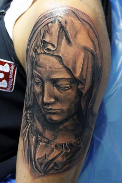 Maria von der statur Pieta, Electrographic Tattoo Rosenheim